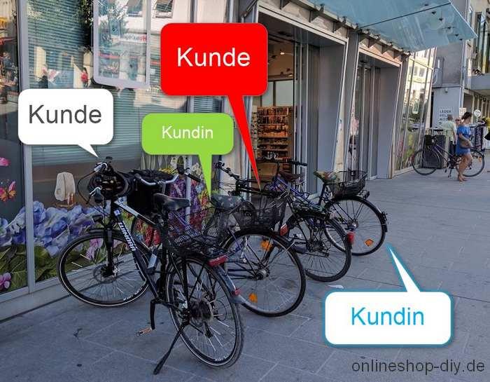Fahrräder vor Drogeriemarkt